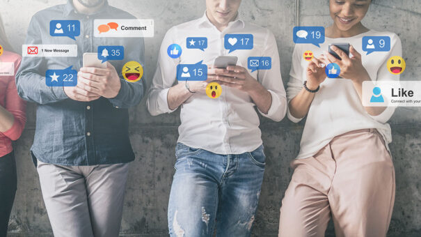 Facebook page vs group