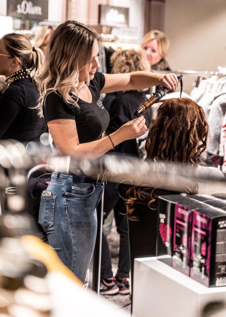 Stylist photo on hair stylist website